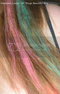 photo Scunci-Hair-Chalk-Kit-Pink-and-Green-01_zpsf1ce3363.jpg