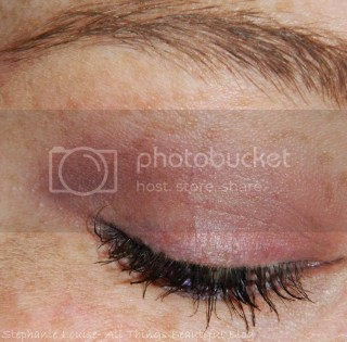 photo ItCosmeticsCCYourWaytoBeautifulSkinLookViletEyeshadowTutorialMattNaturallyPretty04_zpsc543021c.jpg