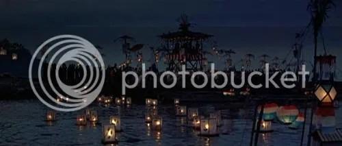"""Fiesta del Obon en Shimoda (Toro Nagashi) en """"El Bárbaro y la Geisha"""" (""""The Barbarian and the Geisha"""", 1958)"""