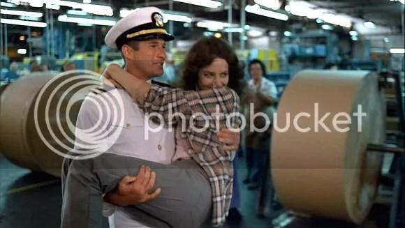 """La famosa escena de """"Oficial y caballero"""" (""""An Officer and a Gentleman"""", 1982)"""
