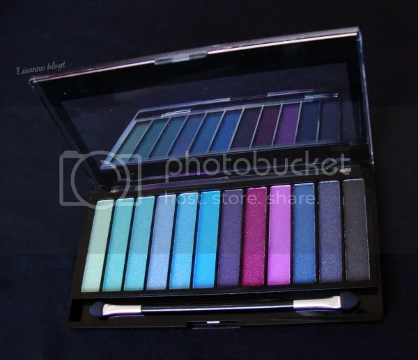 Makeup Revolution Mermaids vs. Unicorns palette, lid open