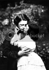 carroll_alice_kissing