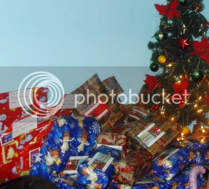 Monito-Monita gift giving