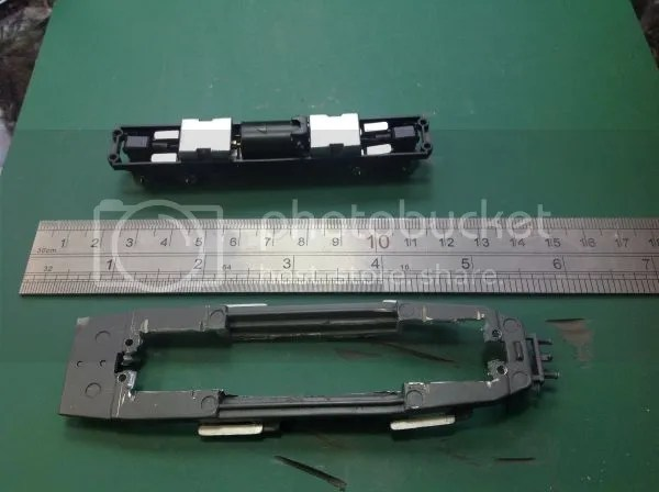 Metal baseplate cutout for Tomyrec TM10 chassis