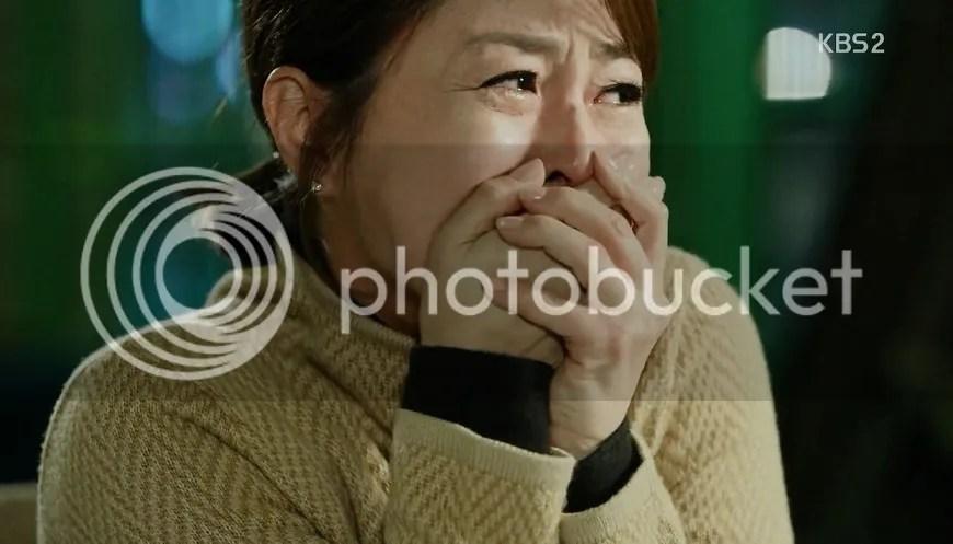 Healer ep 13 Healer's mum crying
