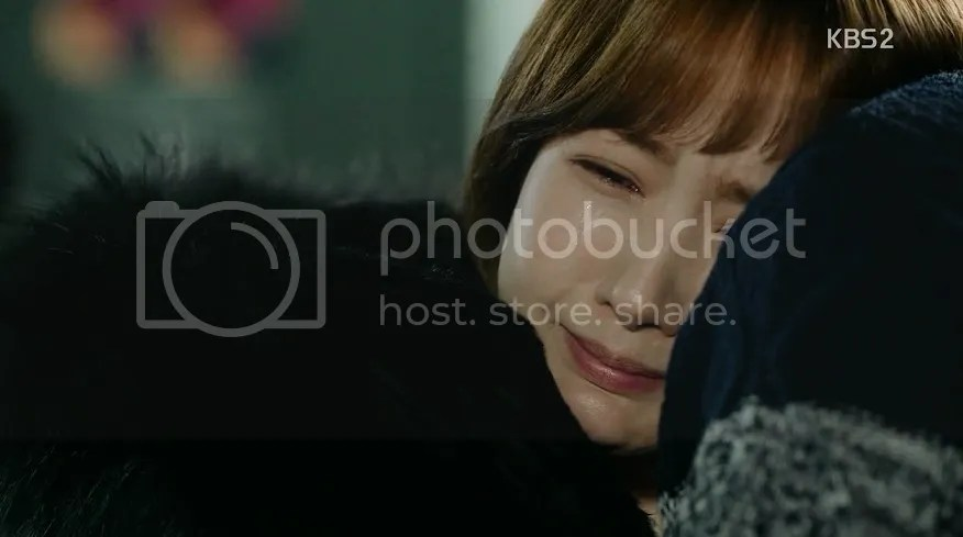 Healer Ep 17 Young Shin cries with her dad
