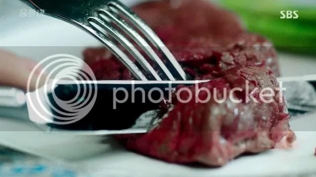 Yong Pal Nurse Hwang eats steak