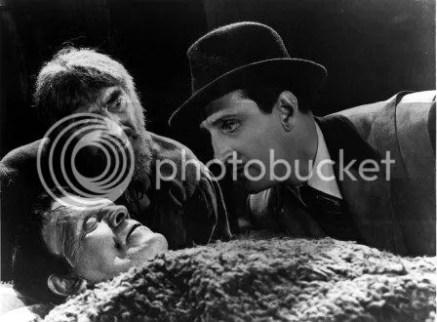 Adegan dari film Frankenstein buatan tahun 1939