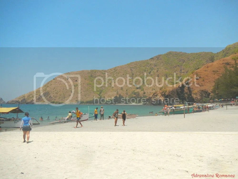 Island Hopping in Capones Island and Annawangin Cove in Zambales