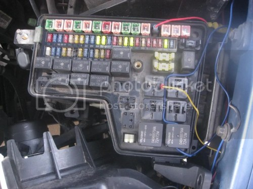 small resolution of make sure that yor relay is working first off if it is you can run a single wire from one side of the relay into the cab put a toggle switch on