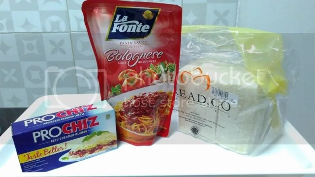 What You'll Need For The Easiest, Simplest, Quickest, Cheapest Pizza Recipe | Hola Darla