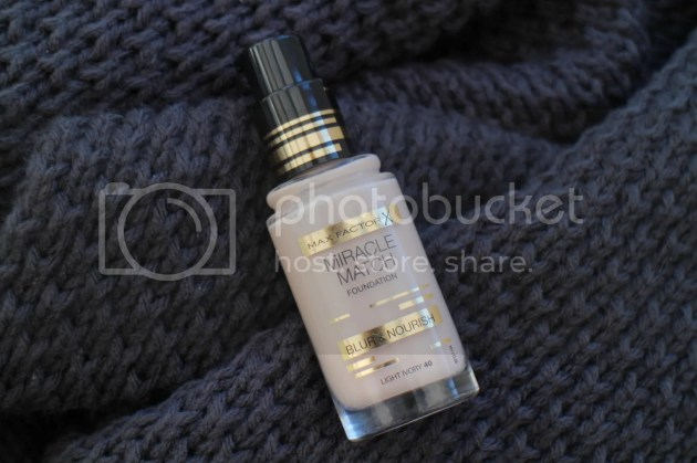 photo Max Factor Miracle Match Foundation Review 10_zpsofrmzbsh.jpg