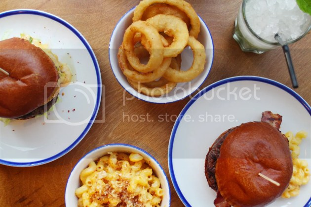 photo Burgers and Cocktails Review Brighton 5_zps8hj9ltnn.jpg