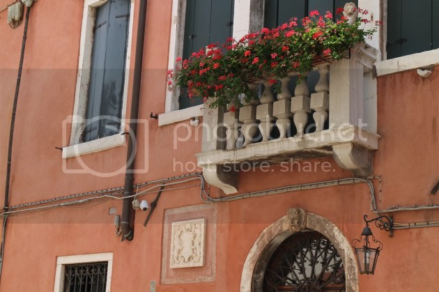 photo Wandering in Venice 5_zpso0mzj4pk.jpg