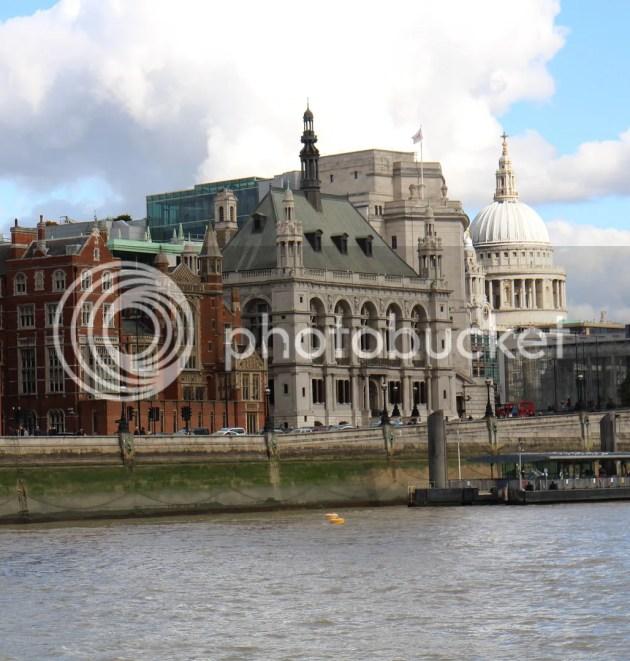 photo Playing Tourist in London 4_zpsggzeoffk.jpg