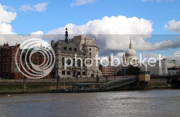 photo Playing Tourist in London 5_zps2mqj8psk.jpg