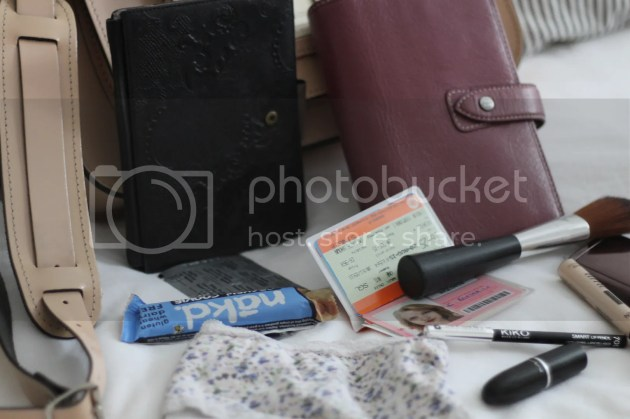 photo Whats In My Handbag - Intern Edition - 7_zpshm7ktmer.jpg