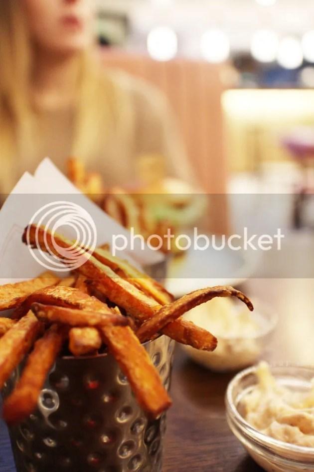 photo Gourmet Burger Kitchen Review 6_zpsrgb2marh.jpg