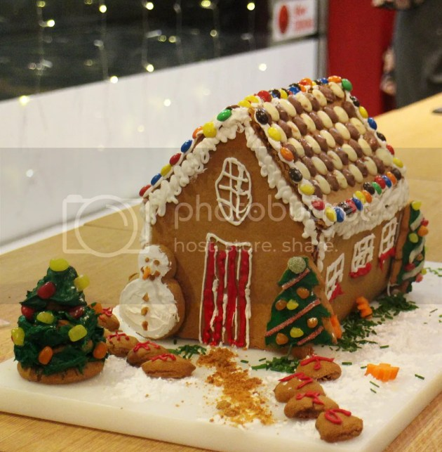 photo Gingerbread House BakeOff 2_zps1ys0yiz5.jpg