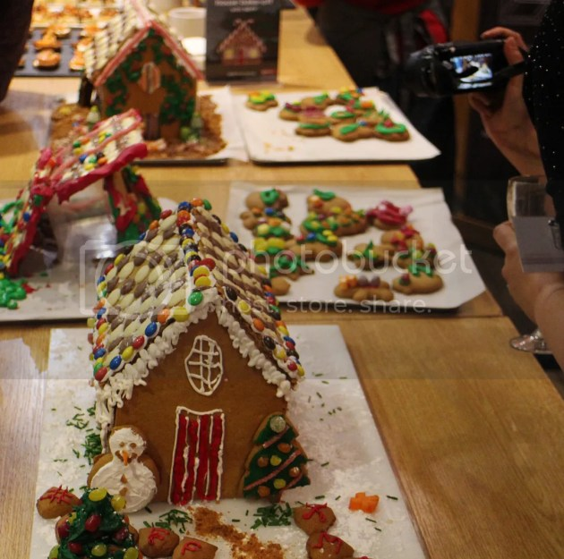 photo Gingerbread House BakeOff 4_zpsxob82420.jpg