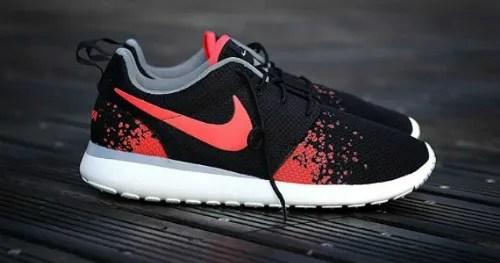 Nike Rosherun Hot Lava bron foto: http://sneakersaddict.com photo nike-roshe-run-hot-lava_zps1291631e.jpg