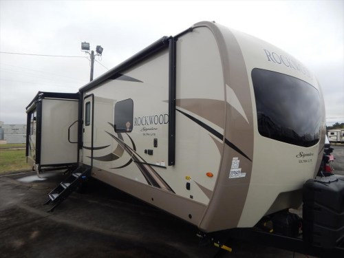 small resolution of new 2018 forest river rockwood signature ultra lite 8332bs for sale by luke s rv sales