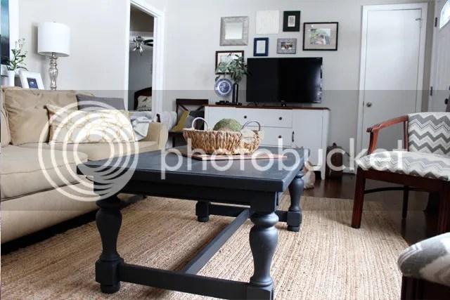 photo livingroomcoffeetable3_zpsiy7mpcm8.jpg