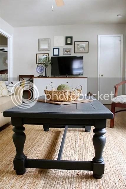 photo livingroomcoffeetable4_zpsz38q8onh.jpg