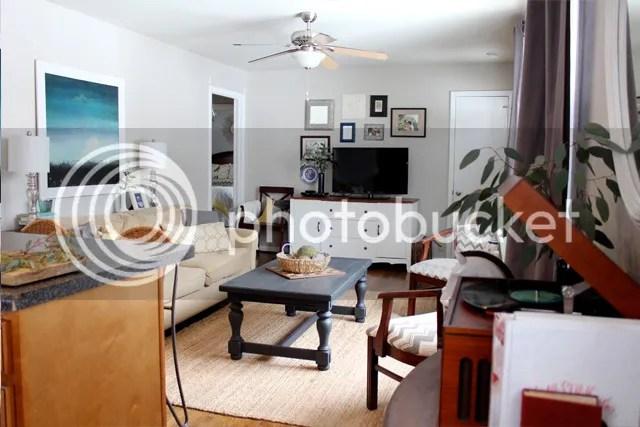 photo livingroomcoffeetable7_zpshd9ntu6b.jpg