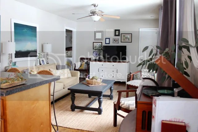 photo livingroomcoffeetable9_zpsycin52ww.jpg