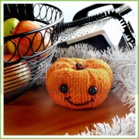 Knitted Decoration Pumpkins