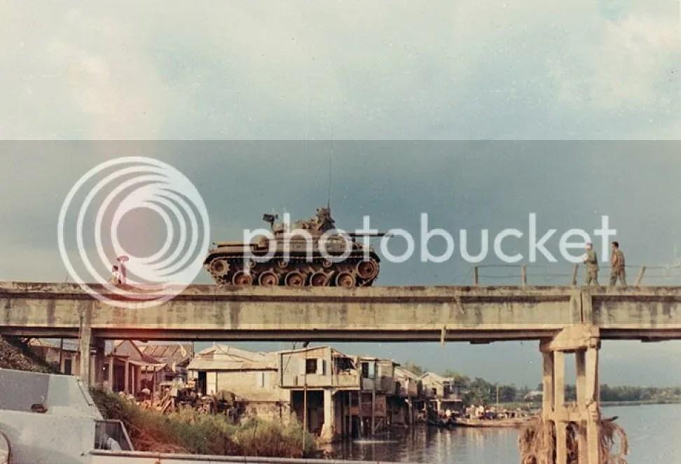 photo khoanh-khac-kho-quen-ve-quang-tri-nam-1967-hinh-10_zpsfmugfu8z.jpg