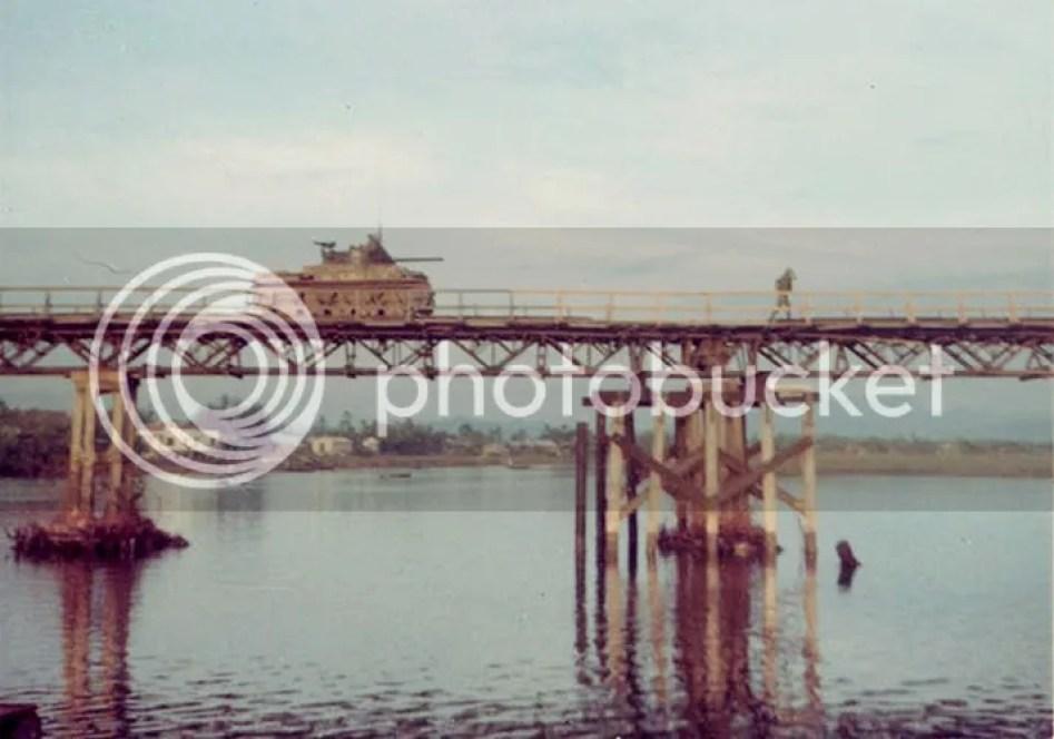 photo khoanh-khac-kho-quen-ve-quang-tri-nam-1967-hinh-11_zpseru9doeu.jpg