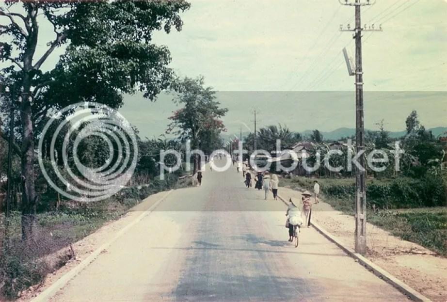 photo khoanh-khac-kho-quen-ve-quang-tri-nam-1967-hinh-13_zps8pq2vyhe.jpg