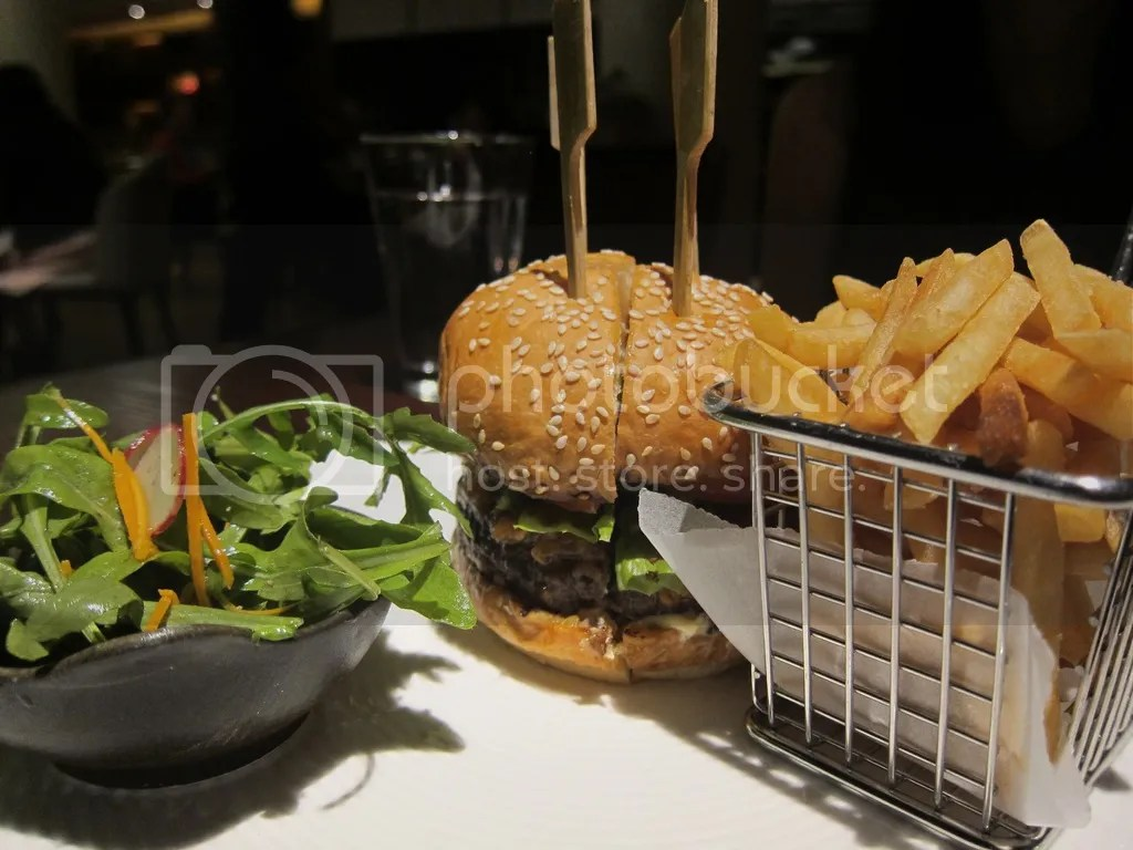 Opus Bar & Grill Opus Burger