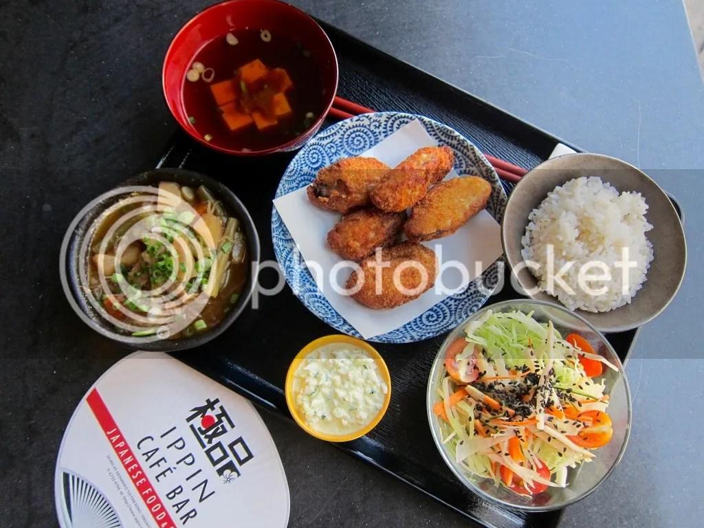 IPPIN Cafe Bar Deep Fried Oyster set