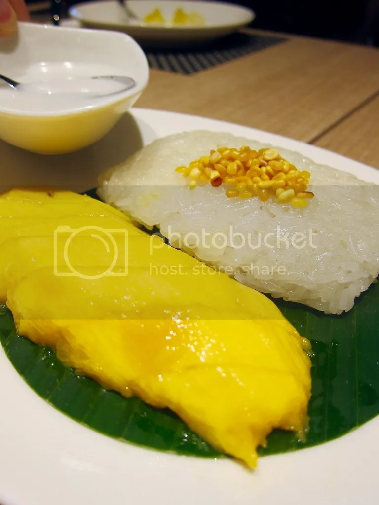 Parathai Mango Sticky Rice served with Coconut Milk