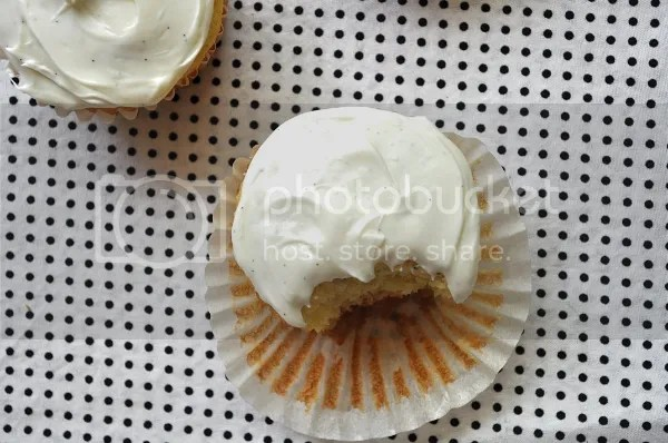 passionfruit cupcakes