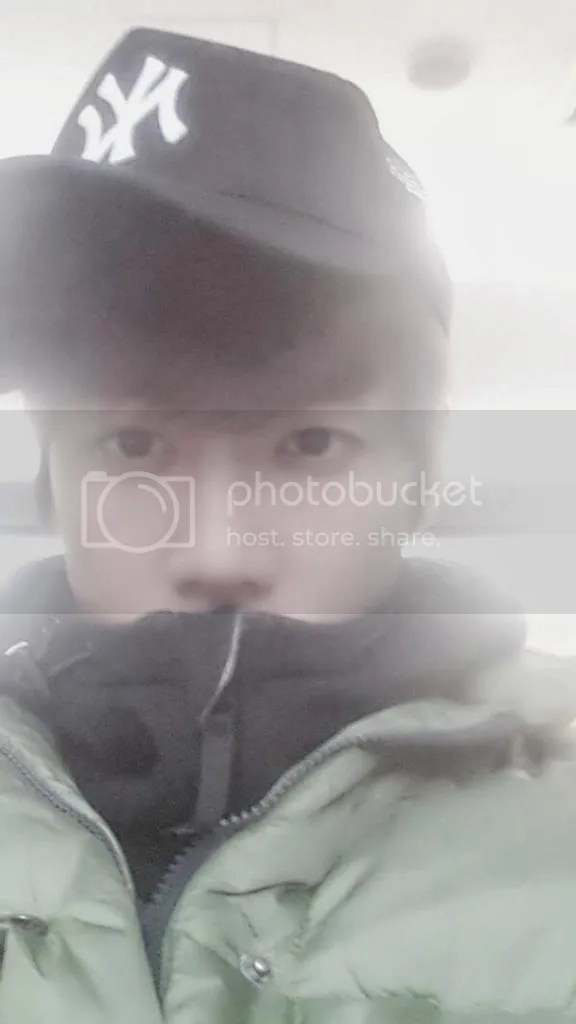 photo Ba7rdmICEAElbw8_zpsbe1684f3.jpg