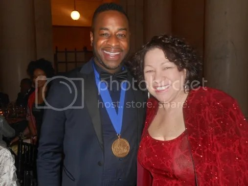 photo Damien-Sneed-Receives-the-Sphinx-Medal-of-Excellence-the-industry-cosign_zpsf5e278ac.jpg