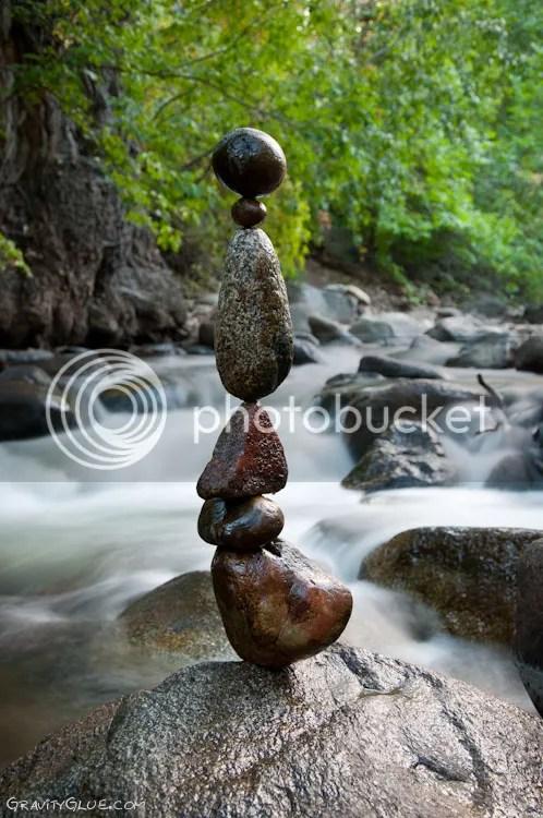 photo MichaelGrab-gravity-defyingrocksculptures3_zps142cbbb2.jpeg