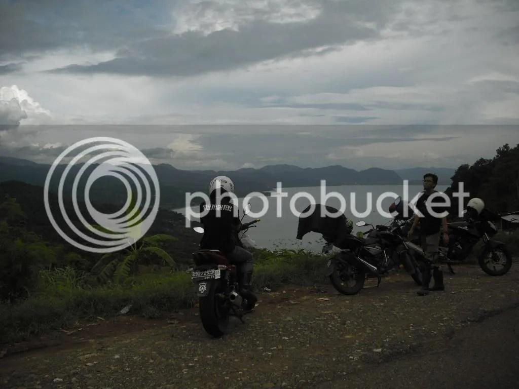 asik kalo tuh motor didorong ke Jurang  . Pict by Berlandio