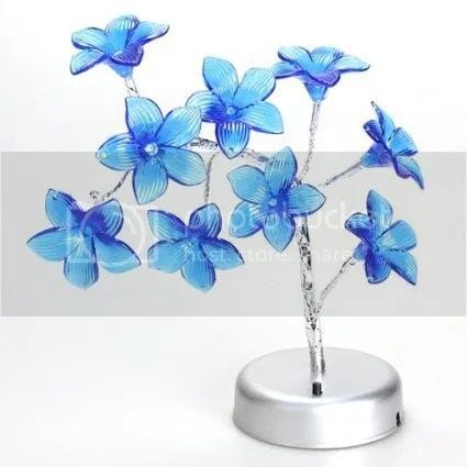 Mini Lily Tree LED Lamp | 10 SPRING-ish Gadgets by Bloggeretterized