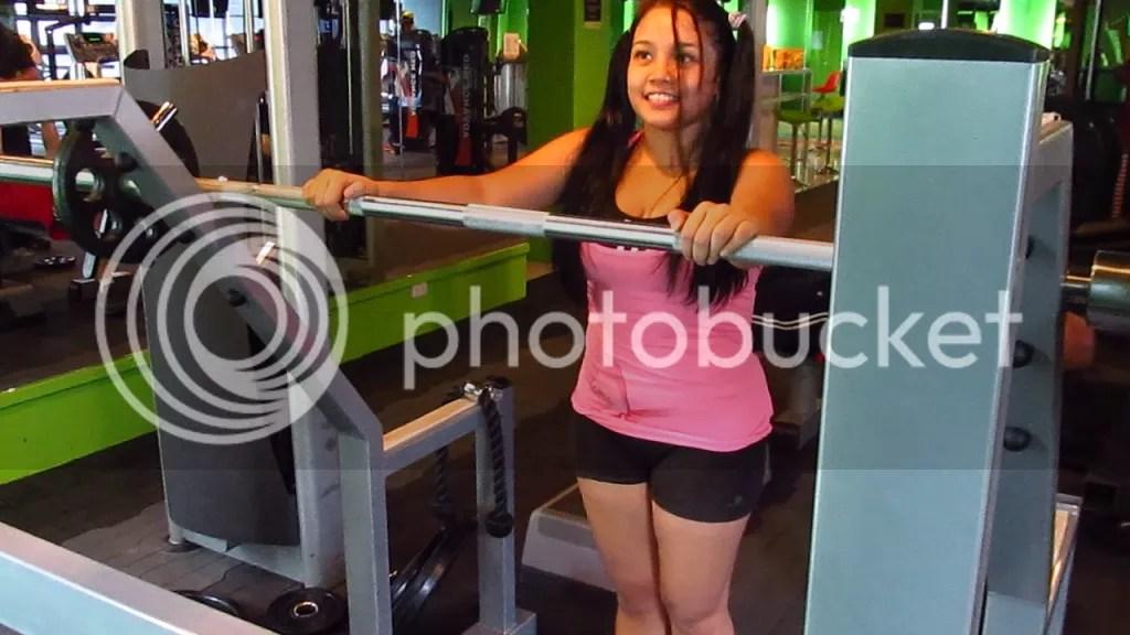 Lara Novales barbell squat