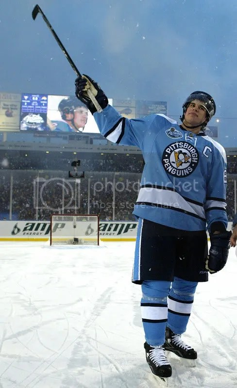 SidneyCrosbyWC.jpg Sidney Crosby salute at Winter Classic image by cdnuniguy