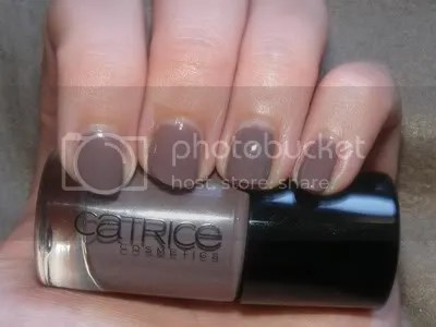 Swatch - Catrice From Dusk To Dawn Ultimate Nail Lacquer