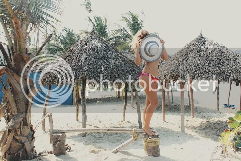 MIAHMO bikinis MH16002 top amarre espalda y arruche anatomico en panty
