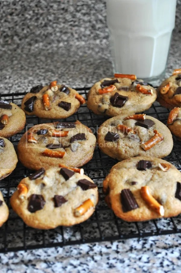 chocolate chunk and pretzel cookies