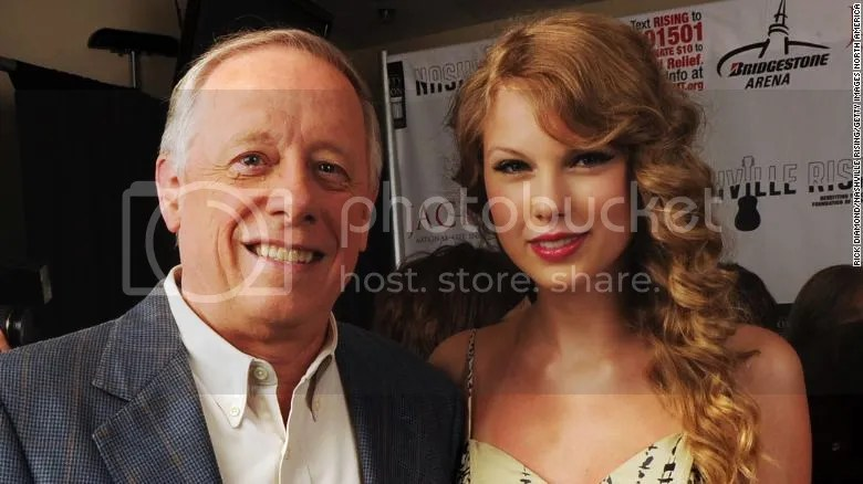 photo 181007173203-taylor-swift-phil-bredesen-exlarge-169_zpsepqatepe.jpg