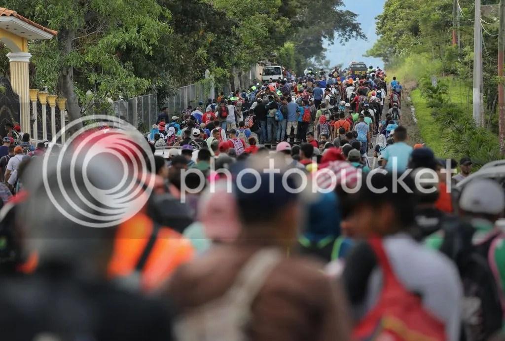 photo https_2F2Fcdn.cnn.com2Fcnnnext2Fdam2Fassets2F181018125622-14-migrant-caravan-1018_zpstyi7xxa6.jpg